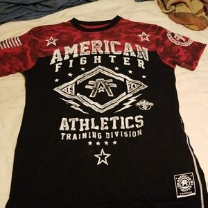 EUC American Fighter tee size small